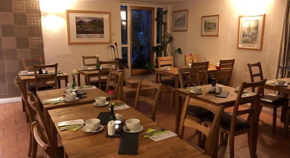 tudor lodge porthmadog dining room